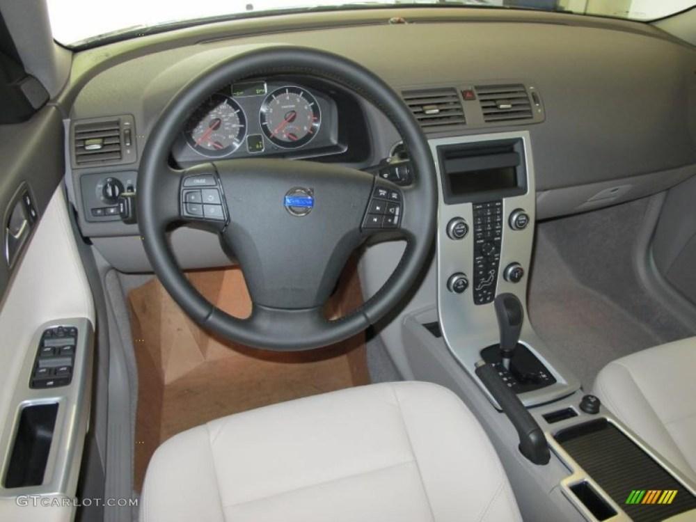 medium resolution of 2011 volvo s40 t5 umbra calcite leather dashboard photo 46758690