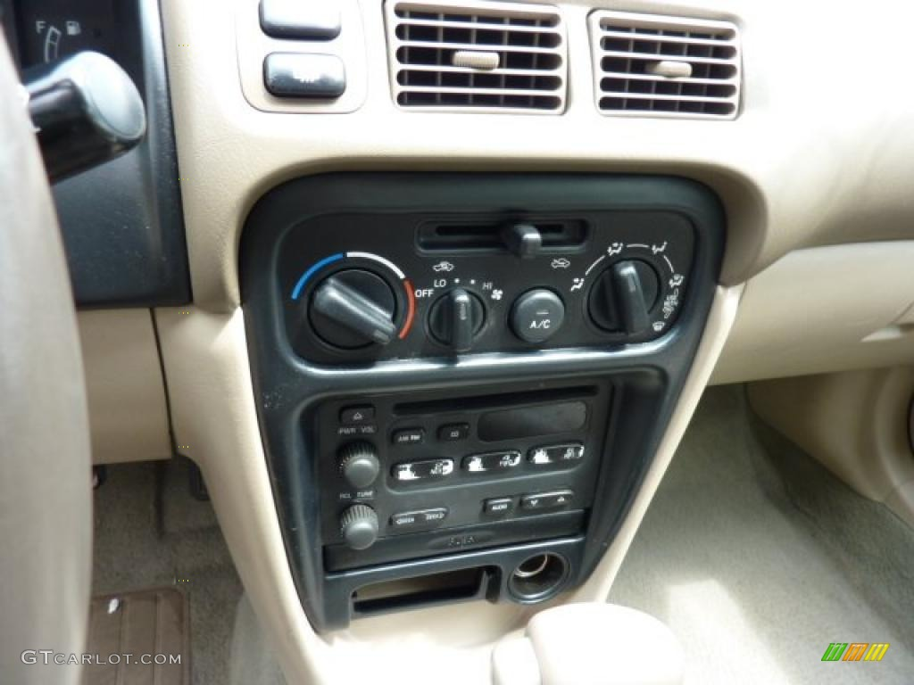 hight resolution of 2000 chevrolet prizm standard prizm model controls photos
