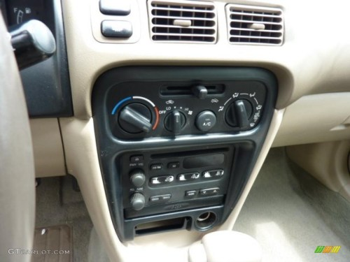 small resolution of 2000 chevrolet prizm standard prizm model controls photos