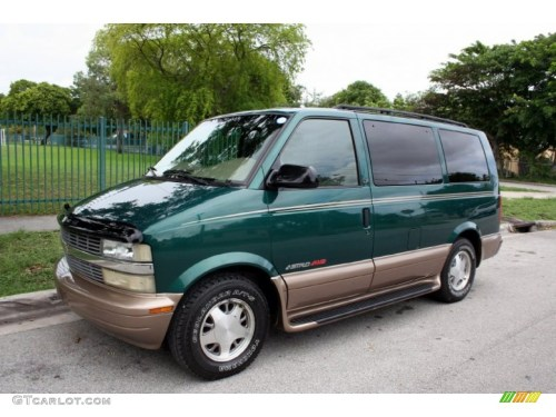 small resolution of dark forest green metallic 2002 chevrolet astro lt awd exterior photo 51081851