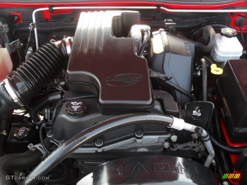 hight resolution of 2005 chevrolet colorado extended cab 2 8l dohc 16v 4 cylinder engine photo 53779819