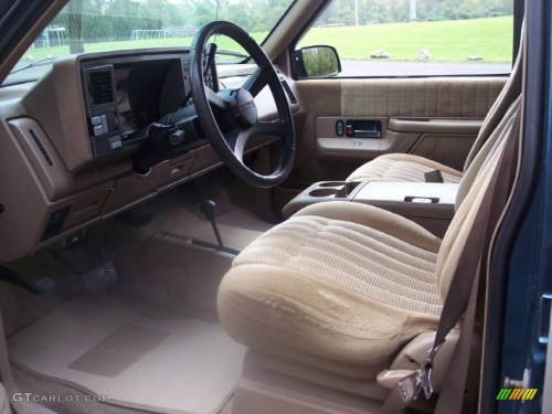 small resolution of tan interior 1993 chevrolet suburban k1500 4x4 photo 54723970