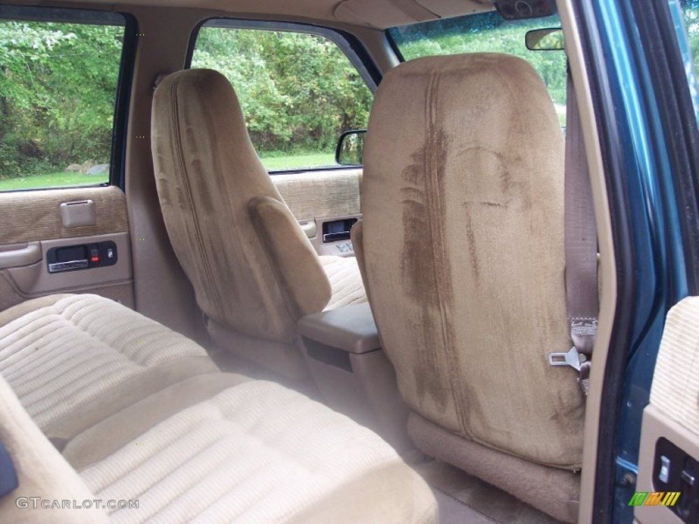 medium resolution of tan interior 1993 chevrolet suburban k1500 4x4 photo 54724069