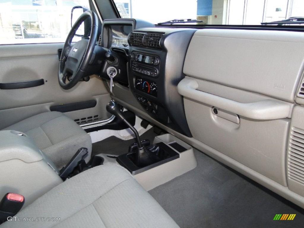 hight resolution of 2006 jeep wrangler unlimited rubicon 4x4 interior photo 55734414 rh gtcarlot com 2006 jeep wrangler interior colors 2006 jeep wrangler interior light fuse