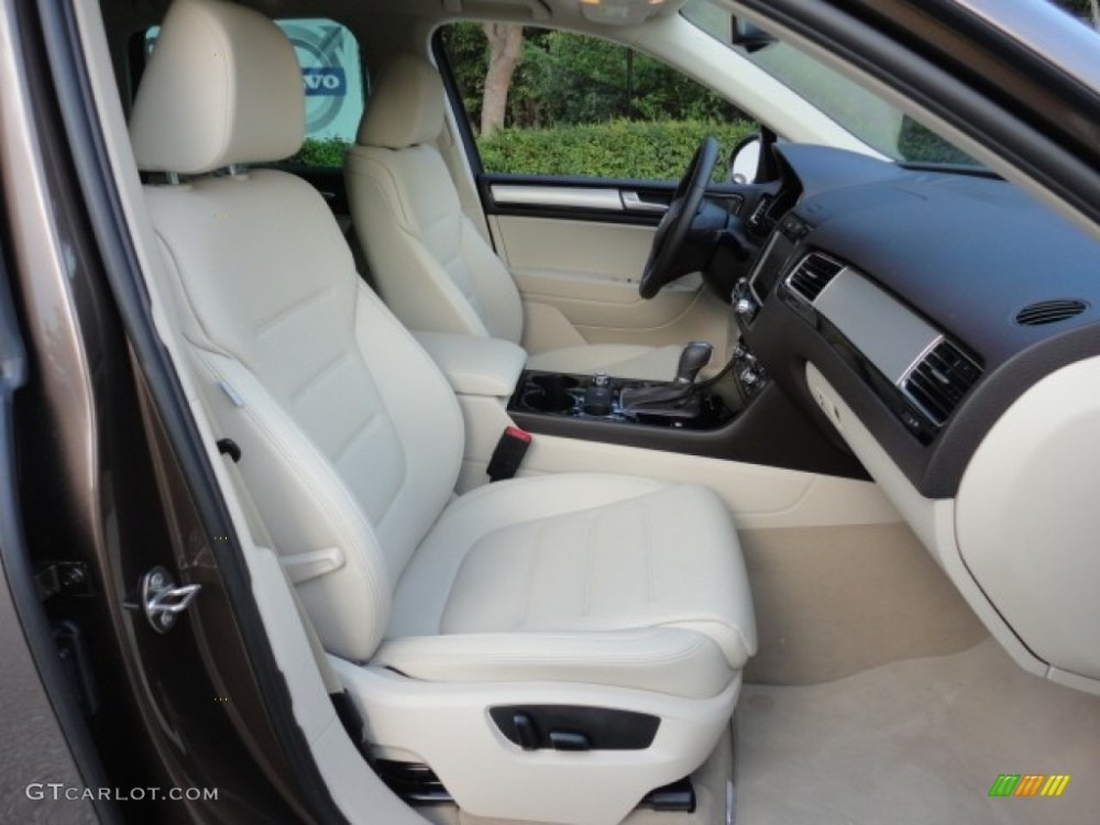 medium resolution of cornsilk beige interior 2011 volkswagen touareg vr6 fsi sport 4xmotion photo 57962642