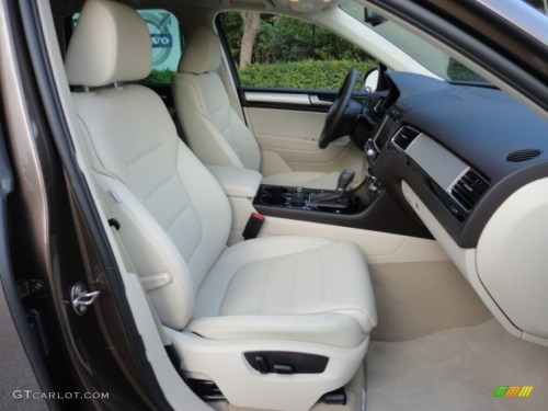 small resolution of cornsilk beige interior 2011 volkswagen touareg vr6 fsi sport 4xmotion photo 57962642