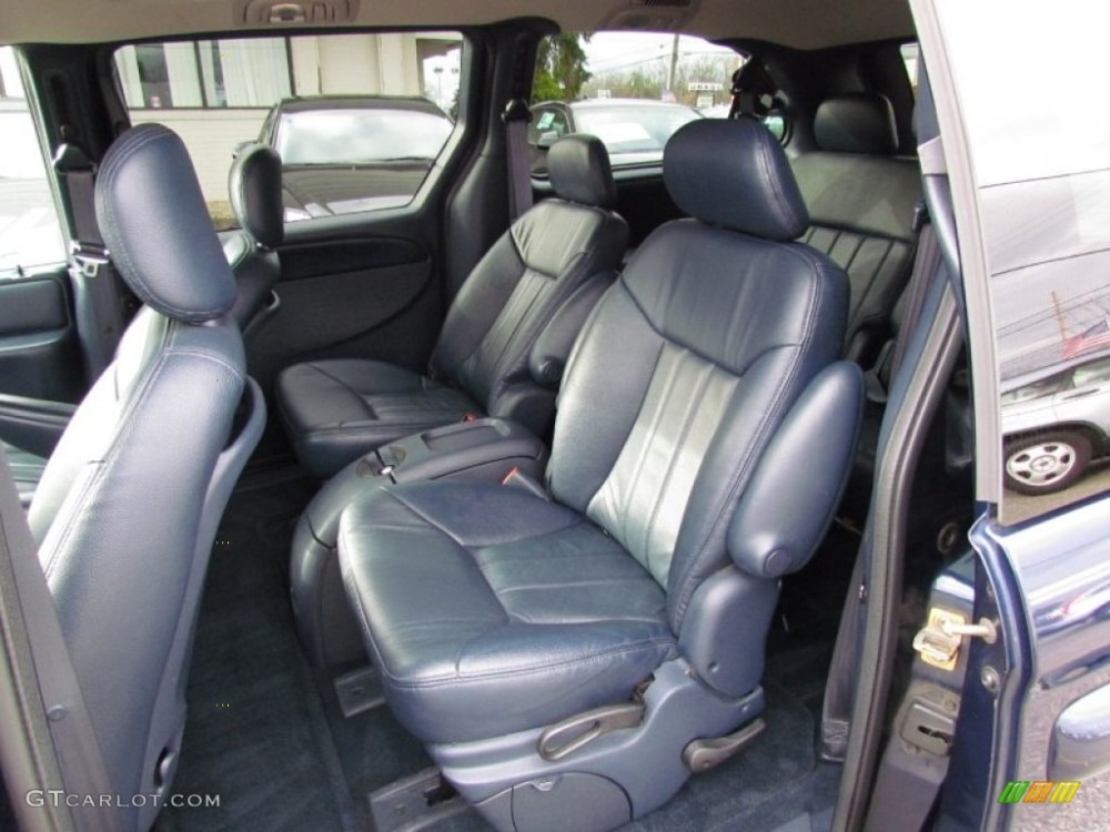 medium resolution of navy blue interior 2003 chrysler town country lxi photo 58641284