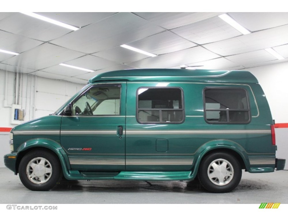 medium resolution of dark forest green metallic 2000 chevrolet astro awd passenger conversion van exterior photo 60702219