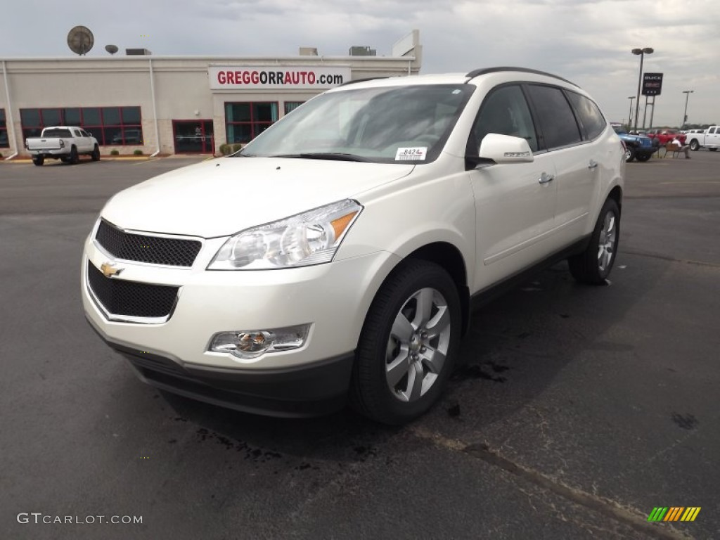 hight resolution of white diamond tricoat chevrolet traverse