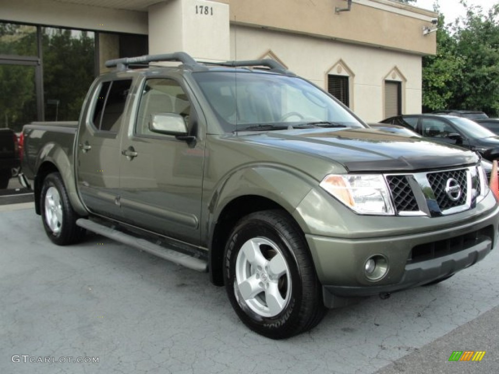 hight resolution of 2005 canteen metallic green nissan frontier le crew cab 68051413 photo 10