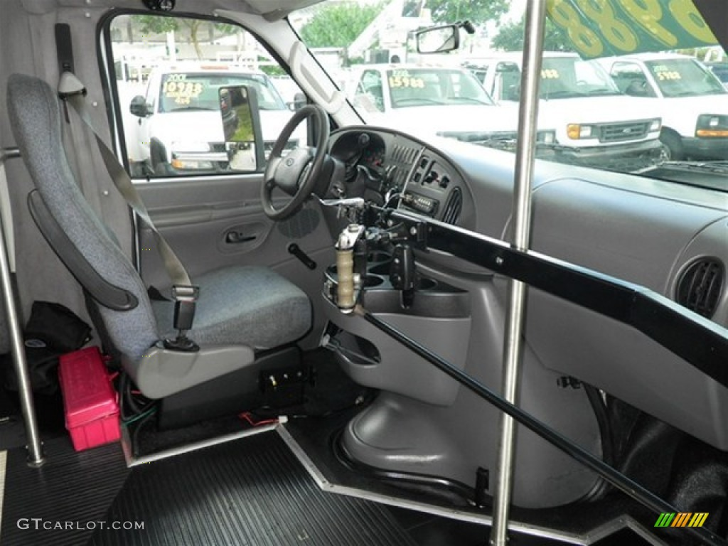 hight resolution of medium flint grey interior 2007 ford e series van e450 super duty passenger bus photo 72406169