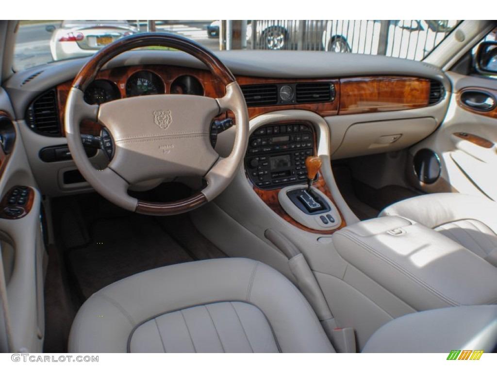 Jaguar Xj8 Interior