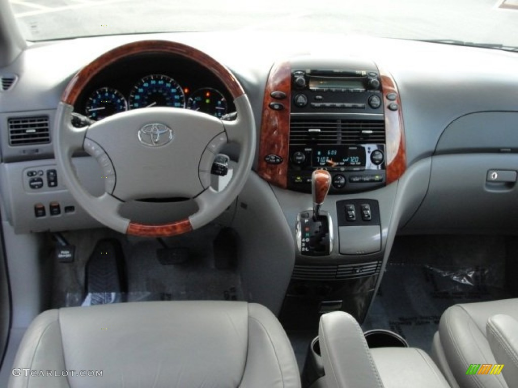 2008 Toyota Sienna Limited Dashboard Photos