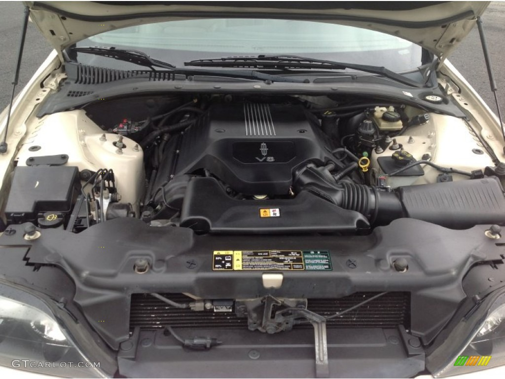 Compartment 2001 Lincoln Engine Ls