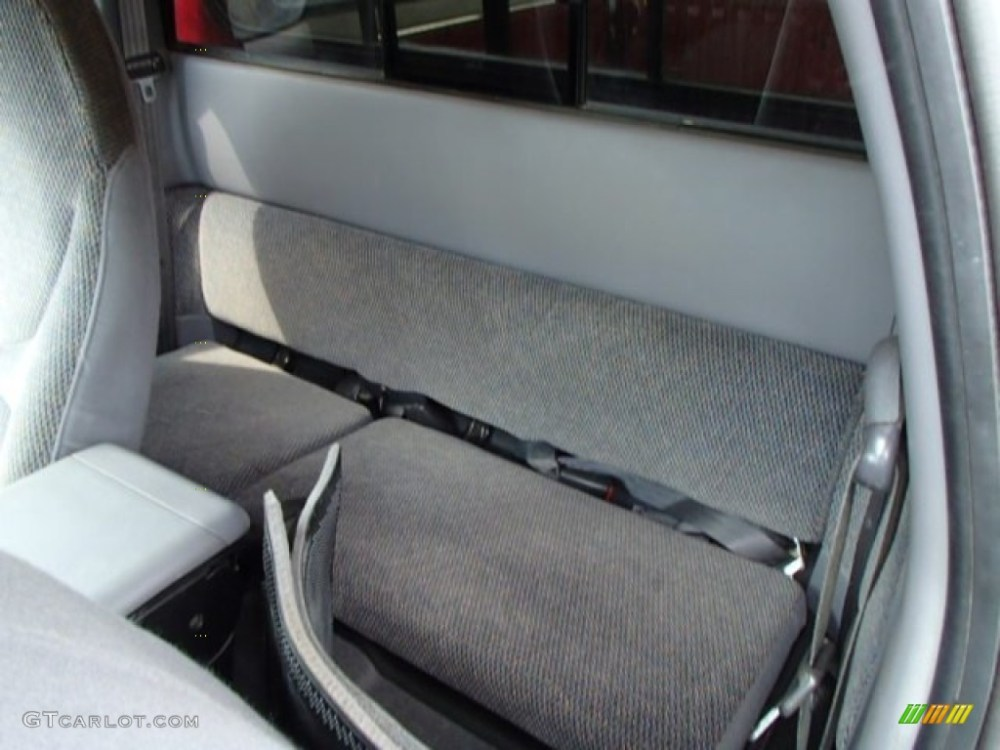 medium resolution of 1998 dodge dakota sport extended cab 4x4 rear seat photo 84492924