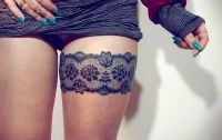 Sexy Garter Tattoos to Class Up Your Thighs - Snip of the ...