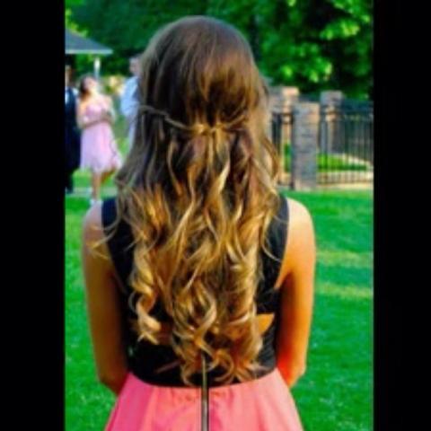 Frisur Für Eine Abschlussfeier Haare Style Abschluss