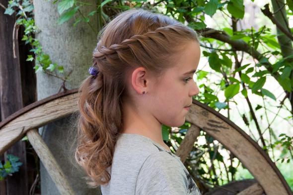 Konfirmations Frisur Für Meine Schwester Haare Ideen