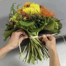 Wie bindet man einen Blumenstrau richtig selbst Blumen