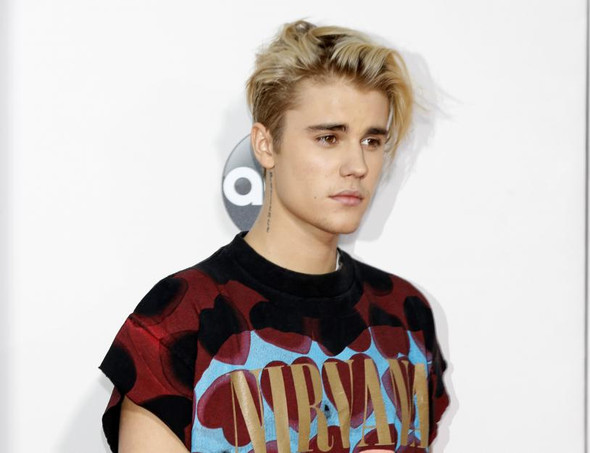 Frage über Justin Biebers Frisur Von 2015 16 Oderso ?