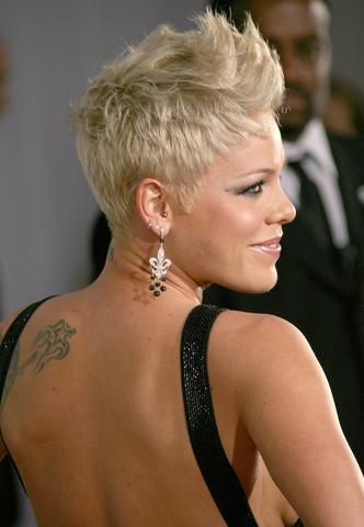 Haare Stylen So Wie Auf Dem Foto Wie? Styling Pink