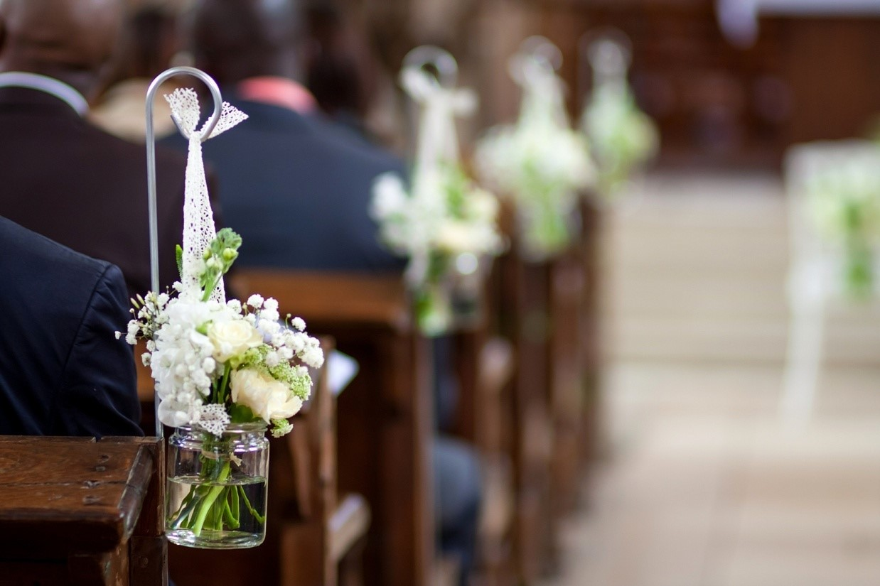 Hochzeit Kirchenbnke schmcken Kirche Deko