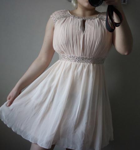Kann man das Kleid auf eine Hochzeit anziehen Beziehung