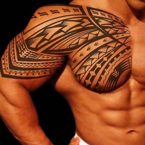 tattos maori tribal tattoo oberarm