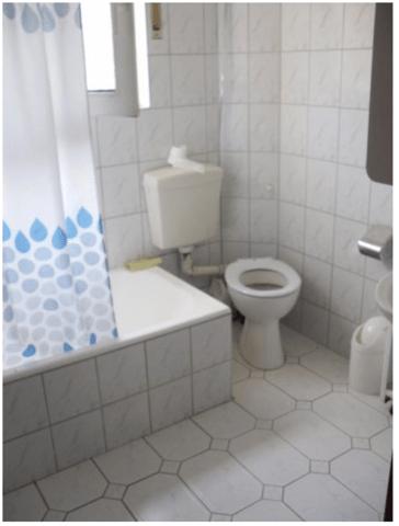 Leitungen im gesamten Haus erneuert ohne das Bad zu