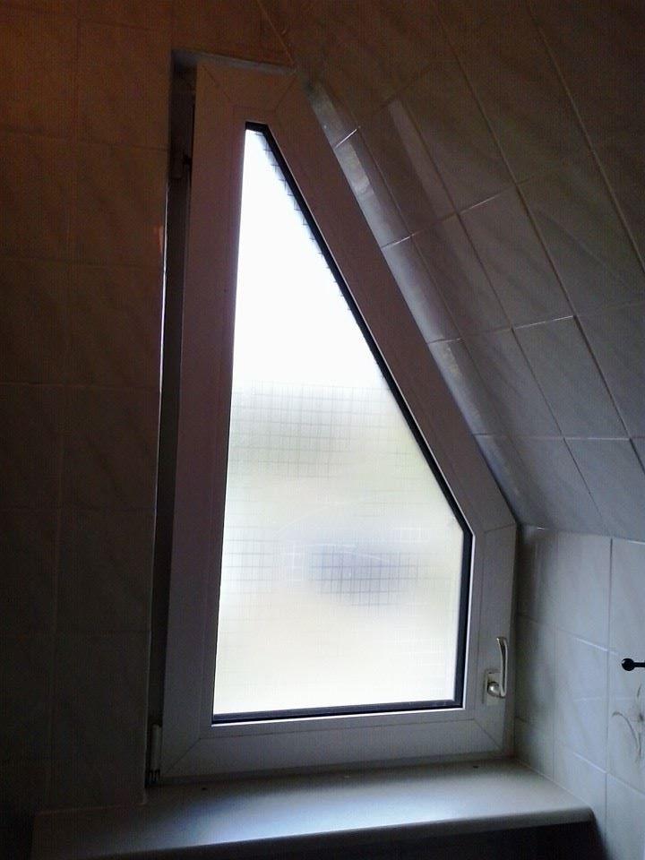 Was fr GardineJalousine fr Dachschrgenfenster im Bad Fenster Badezimmer Gardinen