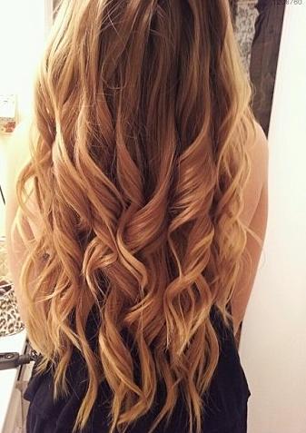 wie macht man sich solche lockenwellen Haare lockig