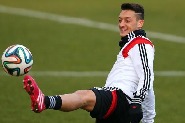 Wie Nennt Man Diese Frisur Von Mesut Özil? Schule Sport Haare