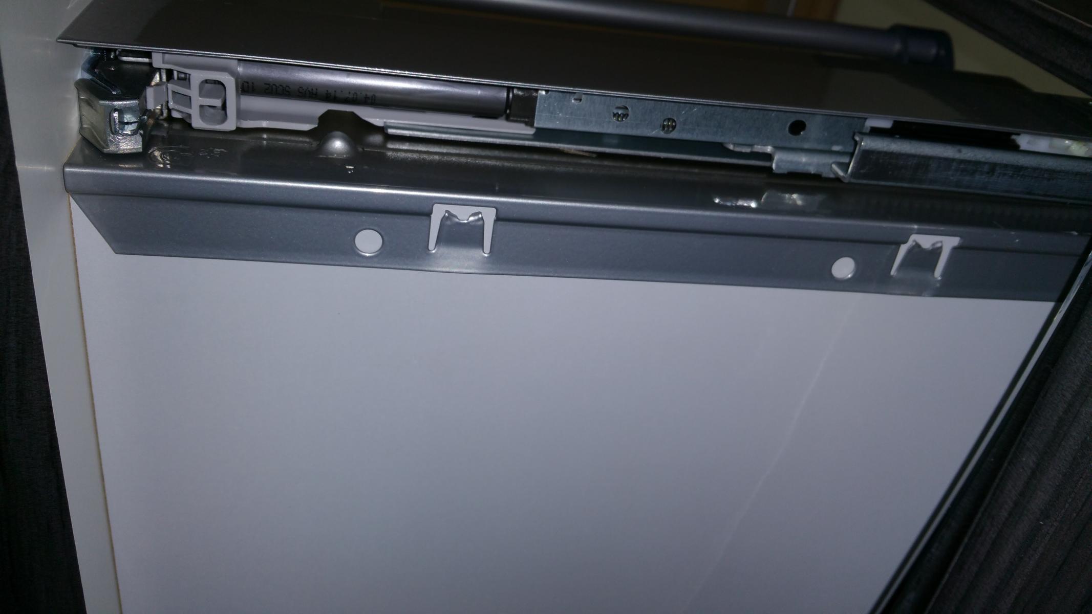 Wie nimmt man diese Schublade raus Technik Mbel Bad