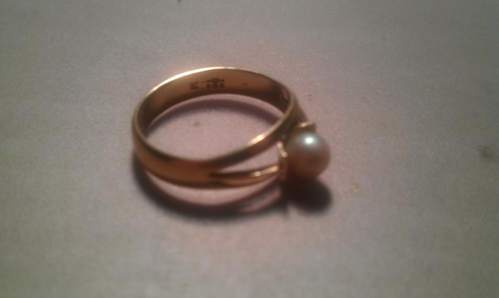 Wie viel ist dieser Ring wert Schmuck Gold Edelsteine
