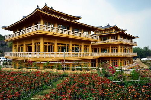 Fo Guang Shan Buddha Museum - Waterdrop Tea Houses - 雙閣樓滴水坊 - Kaohsiung Restaurant - HappyCow