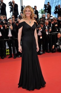 Julia Roberts Barefoot at Cannes