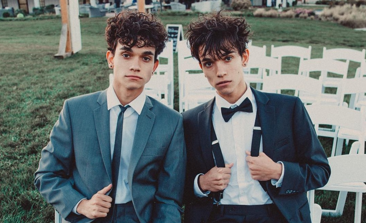 Dobre Brothers Cars Wallpaper These Twin Brothers Dancing In A Supermarket Are Going