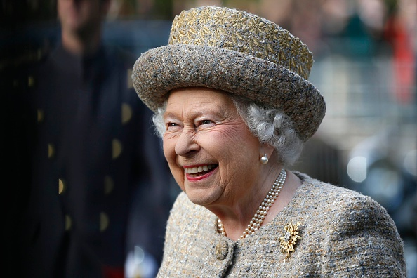Polish your resumes because Queen Elizabeth is hiring a personal royal tweet writer in waiting