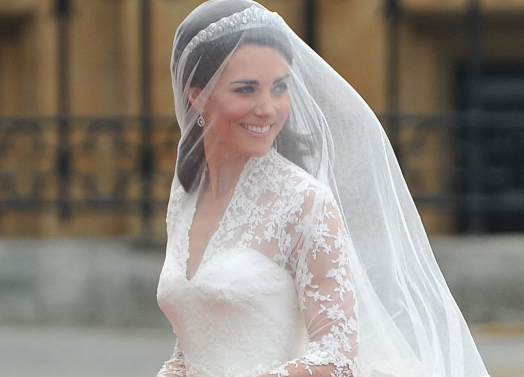 Kate Middleton had a second wedding dress that no one talks about  HelloGiggles