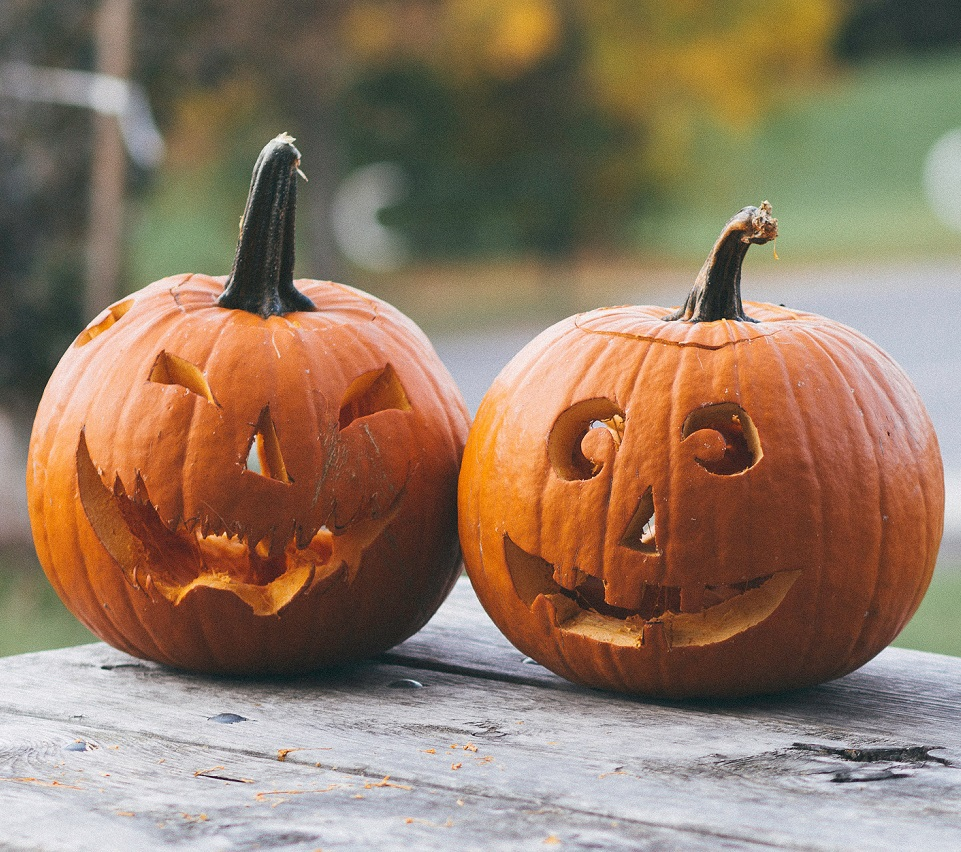 Fall Pumpkin Wallpaper What Does Quot Spoopy Quot Mean Here Are The Origins Hellogiggles