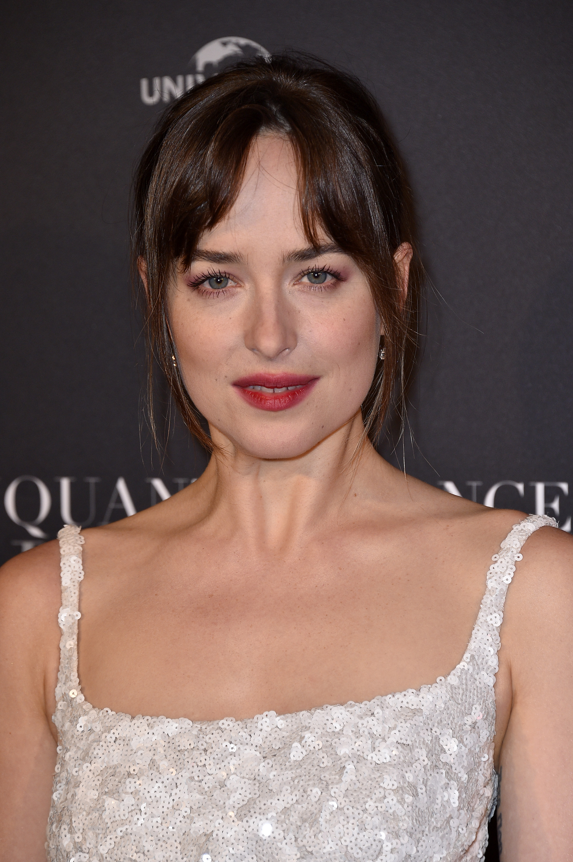 dakota johnson gave out her phone number for a good cause 3