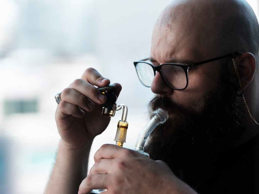 How To Dab Cannabis Concentrates 2 of 8 What is Dabbing, and How To Dab Cannabis Concentrates