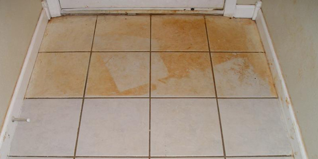 remove rust stains from tiles using