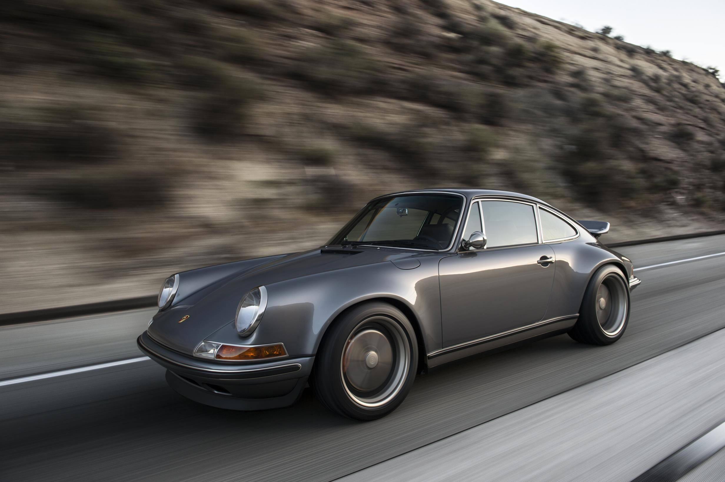 test drive grand new veloz 1.3 all innova venturer 2018 singer trots out its latest reimagined porsche 911s for pebble