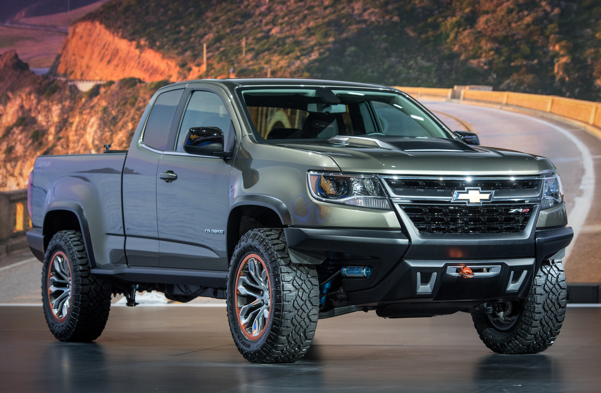 hight resolution of chevrolet colorado zr2 concept crawls into l a rh motorauthority com 2015 chevy colorado