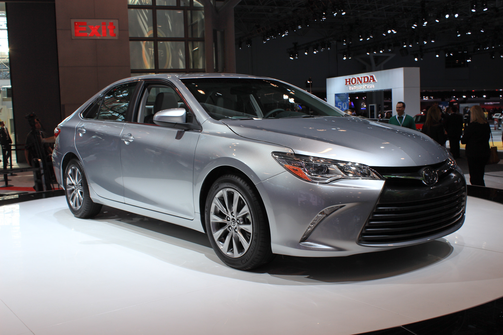 all new camry hybrid review grand avanza type e 2015 toyota york auto show live photos
