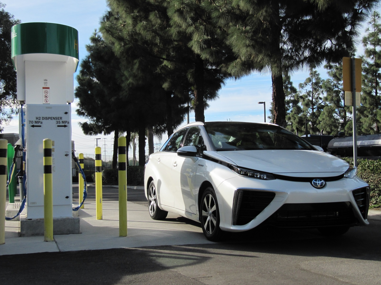 Toyota Tackles Hydrogen Fueling Challenges As Mirai Launch