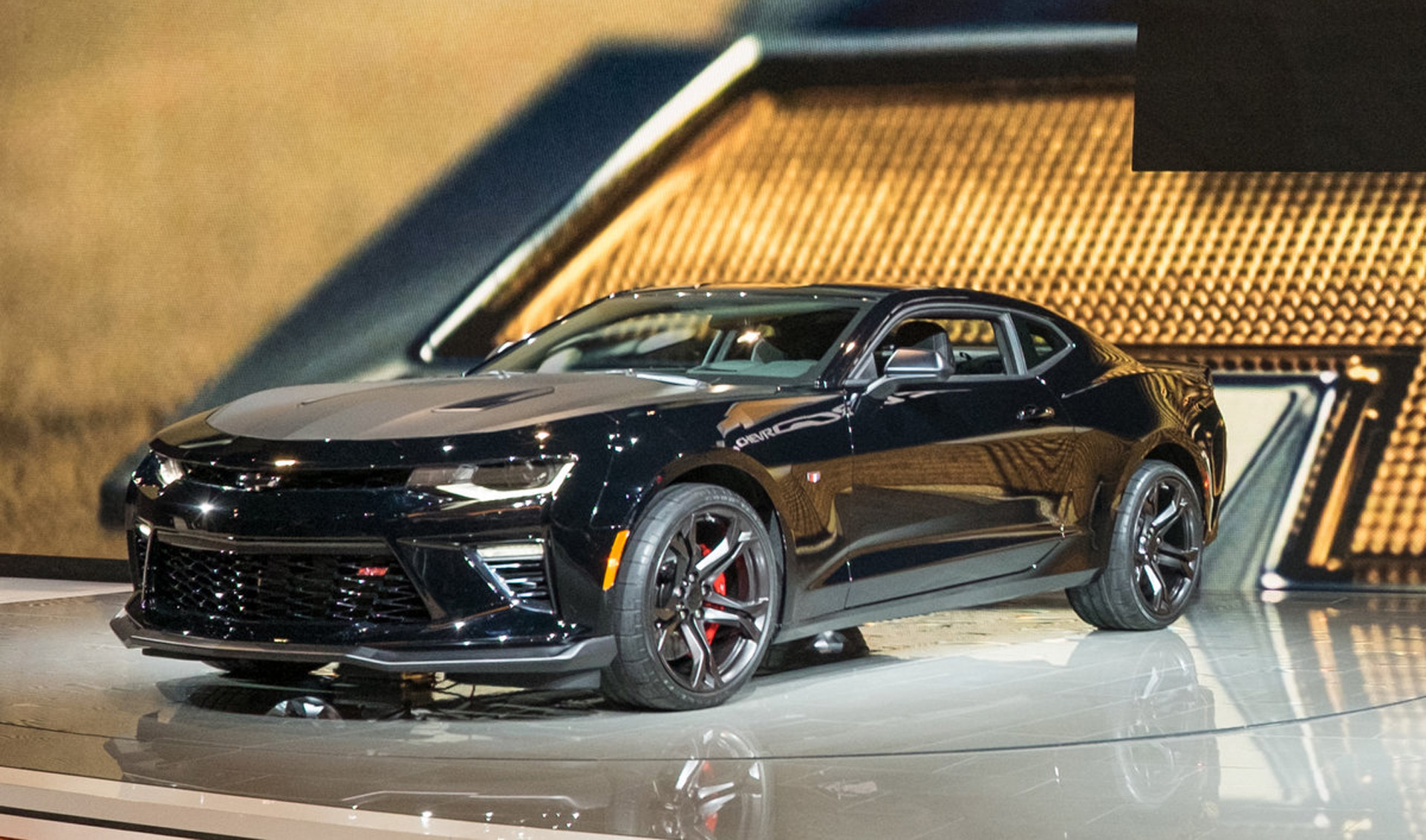 hight resolution of 2017 chevrolet camaro 1le revealed with v 6 and v 8 options live photoschevrolet camaro car