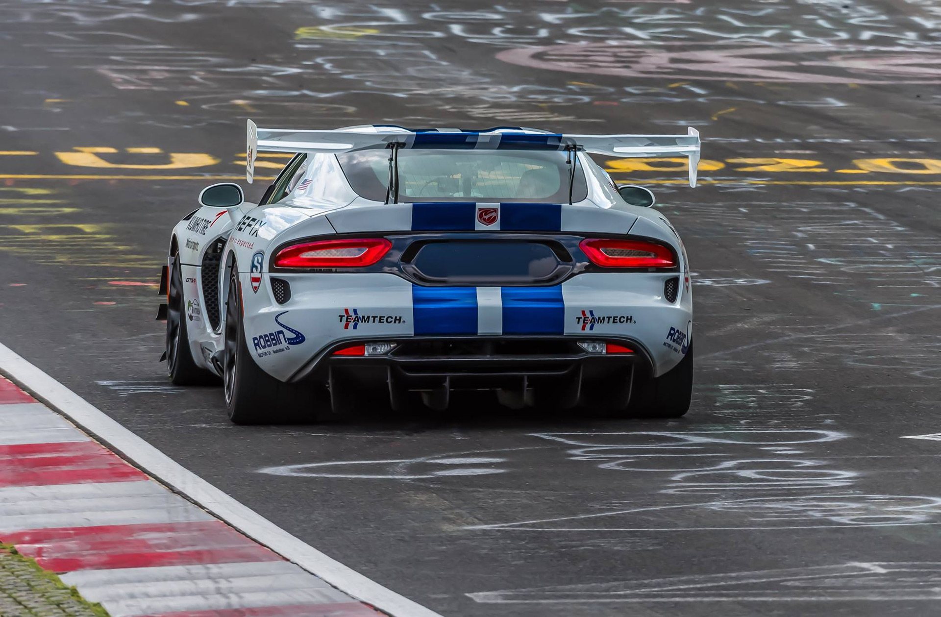 The Dodge Viper Acr Just Ran The Ring In An Unofficial 70345