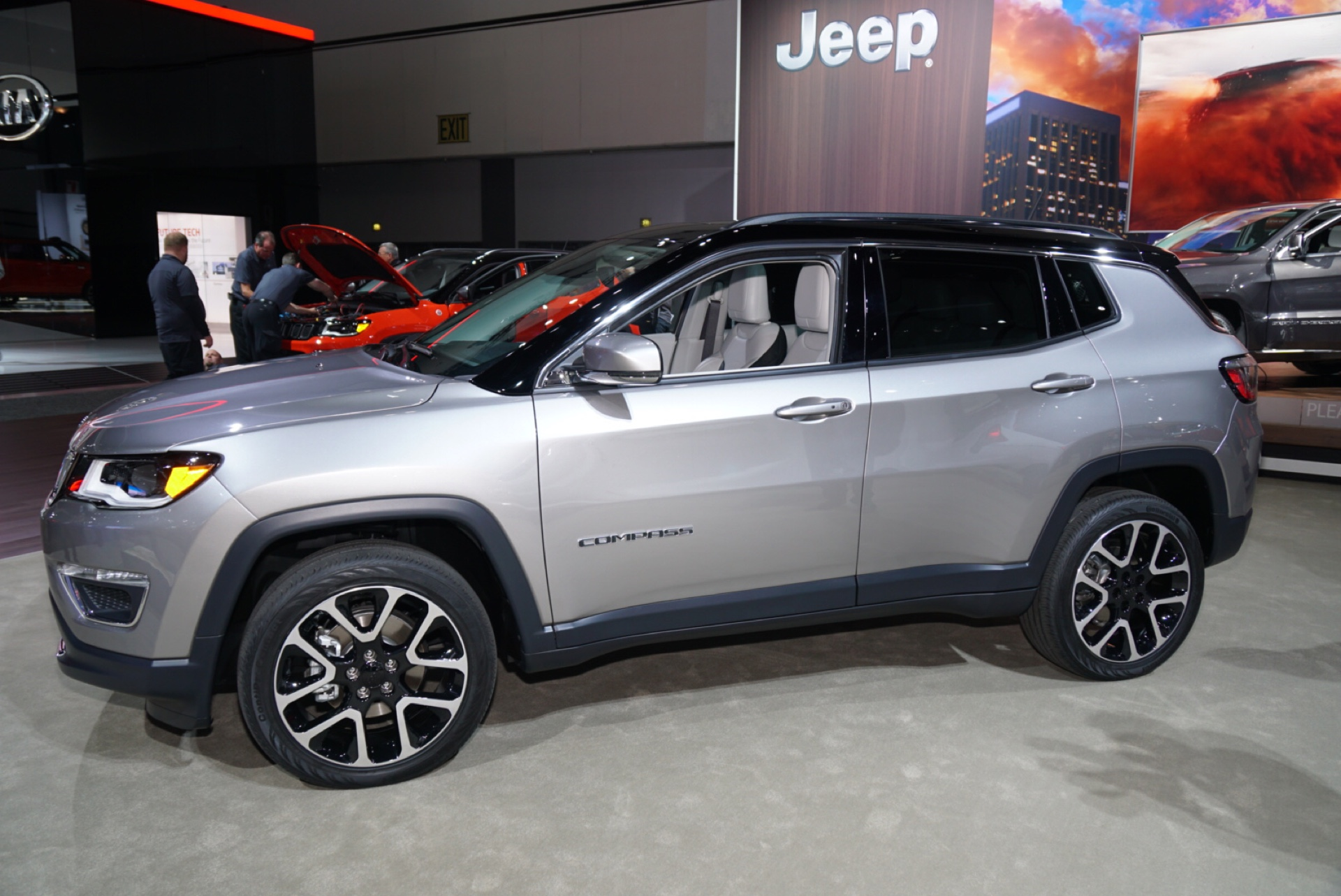 2017 Jeep pass video preview 2016 Los Angeles Auto Show